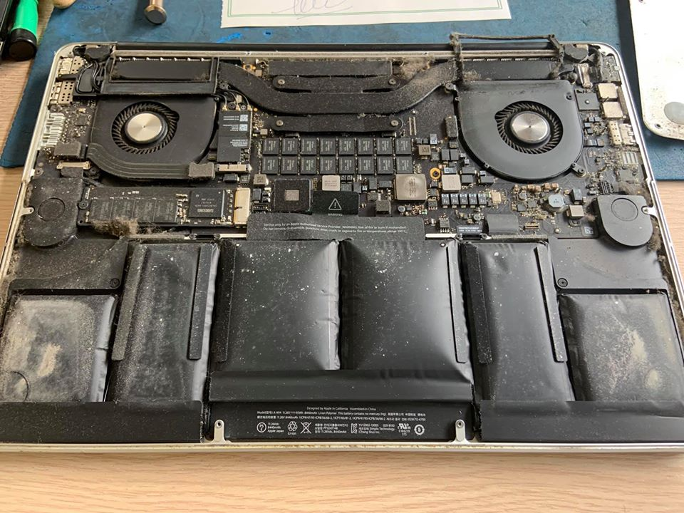 https://laptopcenter.vn/tin-tuc/meo-vat-tien-ich/may-macbook-tai-sao-lai-nong-sau-2-3-nam-dung-may