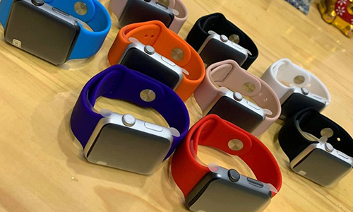 https://laptopcenter.vn/tin-tuc/san-pham-cong-nghe/dong-sang-lap-apple-thich-apple-watch-hon-iphone