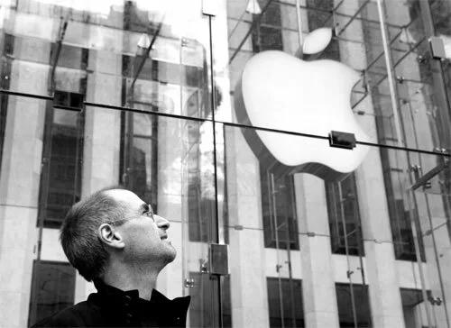 https://laptopcenter.vn/tin-tuc/apple-sau-8-nam-steve-jobs-qua-doi